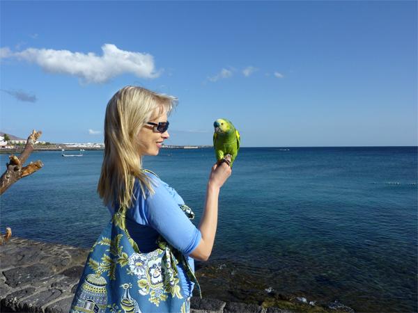 Elischeba mit Papagei