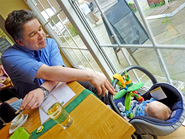 Baby Leon im Restaurant Biotopia