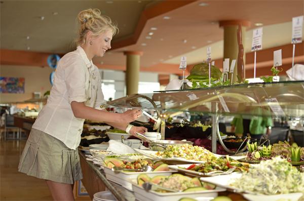 Elischeba am Buffet - Suppe