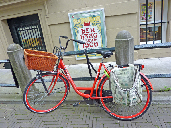 rotes Fahrrad