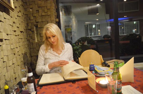 Elischeba im Restaurant Shangrila