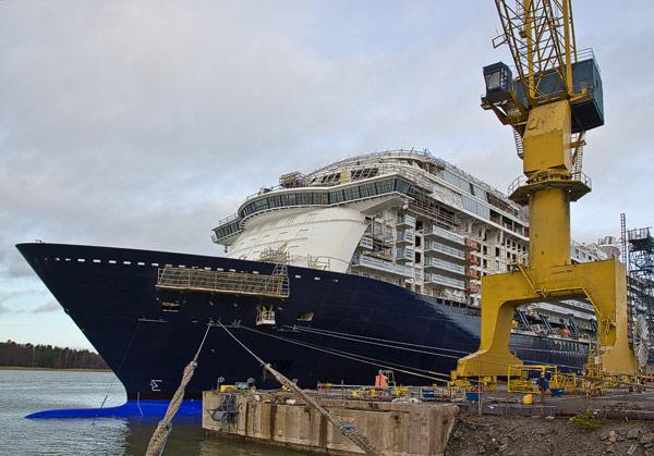 mein-schiff-3_stx-werft-turku-finnland_november-2013_2267_franz-neumeier