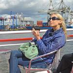 Elischeba auf Hafenrundfahrt