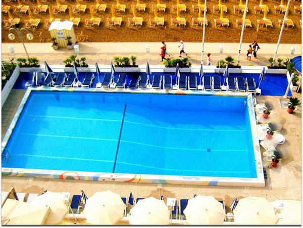 Pool - Hotel Anthony
