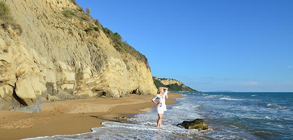 Elischeba am Strand auf Korfu