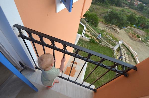 kleinkind_balkon