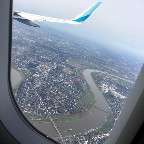 Flugzeug über Düsseldorf