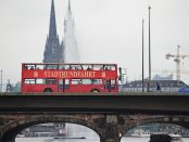 doppeldecker bus in hamburg