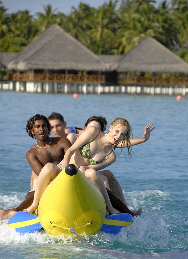 Speedboot fahren auf den Malediven